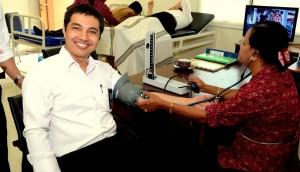Sdr. Stefino Anggara diperiksa tekanan darahnya