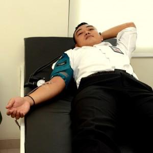 Proses pengambilan darah sdr. Andi Erwin
