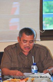 Kepala Perwakilan, Drs. Darwin Wibawa.,M.M Meberikan kata sambutan dalam Penyerahan Laporan Keuangan PemKab Maluku Tengah TA.2012