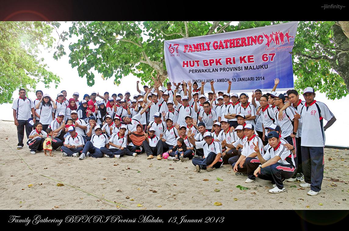 Foto bersama seluruh Pegawai BPK RI Perwakilan Provinsi Maluku