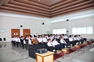Para Pegawai Kantor Perwakilan Maluku Mengikuti Acara Syukuran HUT BPK RI Ke-67
