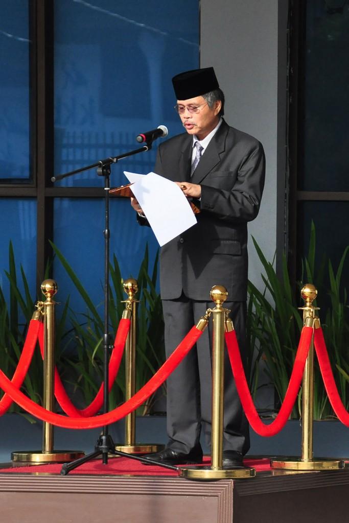 Kepala Perwakilan BPK Maluku membacakan Pidato Ketua BPK RI pada upacara HUT BPK RI ke-68