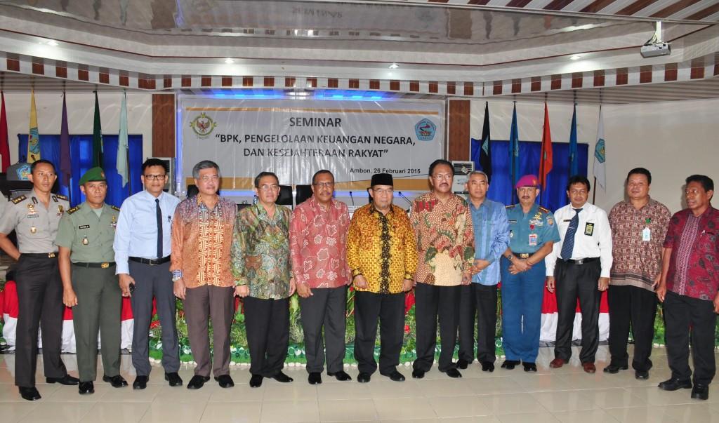 Foto Bersama, Ketua BPK, Kepala Perwakilan BPK Provinsi Maluku dan jajajan Forum Koordinasi Pimpinan Provinsi Maluku