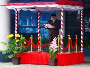 Kepala Perwakilan BPK Maluku membacakan Pidato Ketua BPK RI pada Upacara HUT RI ke-70