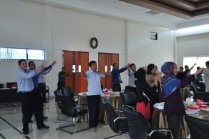 Antusiasme Peserta Seminar Menari Bersama