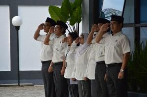 Para Pejabat Struktural BPK Perwakilan Maluku mengikuti upacara HUT BPK RI ke-69