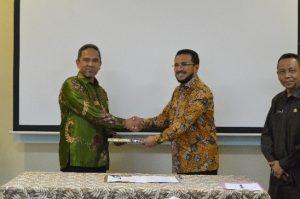 Kepala Subaud Maluku I Menyerahkan LHP LKPD TA 2016 Kab. Seram Bagian Timur